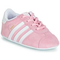 Schuhe Kinder Sneaker Low adidas Originals GAZELLE CRIB Rose