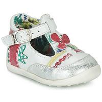 Schuhe Mädchen Sandalen / Sandaletten Catimini PALOMINO Weiß