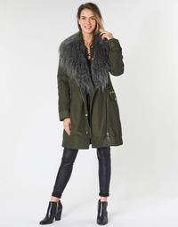 Abbigliamento Donna Parka Guess NEREA Kaki