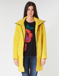 Abbigliamento Donna Cappotti Desigual LAND Giallo