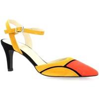 Chaussures Femme Escarpins Brenda Zaro Escarpins cuir velours  cail Corail