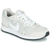 Chaussures Femme Baskets basses Nike VENTURE RUNNER