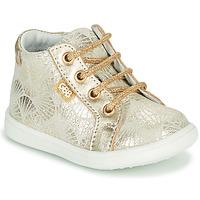 Scarpe Bambina Sneakers alte GBB FAMIA CRT IMPR BEIGE-OR DPF/MESSI