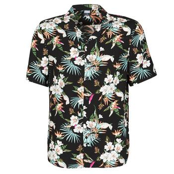Vêtements Homme Chemises manches courtes Urban Classics TB4150