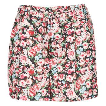 Vêtements Femme Shorts / Bermudas Betty London OULALA