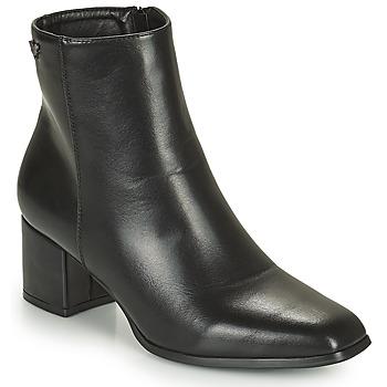 Chaussures Femme Bottines Les Petites Bombes CARINE