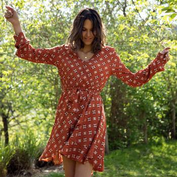 Vêtements Femme Robes courtes Soi Paris x Spartoo PAPILLES