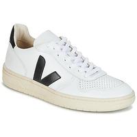 Schuhe Sneaker Low Veja V-10 Weiss / Schwarz