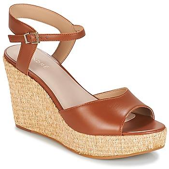 Chaussures Femme Sandales et Nu-pieds André BUNGALOW Cognac